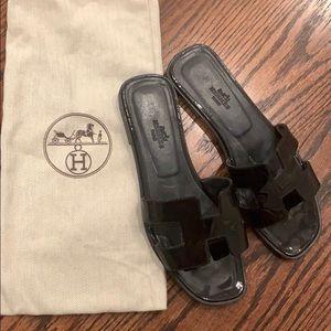 Hermès Oran sandal patent black - size: 38!